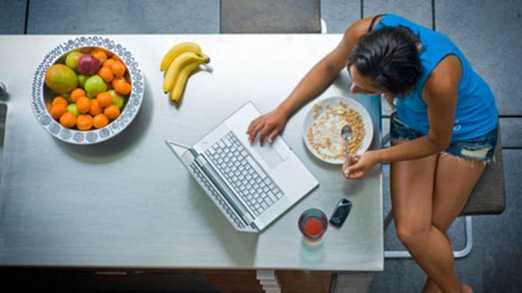 130.000 internautes, inscrits au programme de recherche national NutriNet-Santé (Getty Images - Zia Soleil)