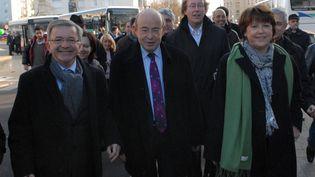 Jean Germain (G), alors maire de Tours, au côté du député PS Jean-Patrick Gille, en décembre 2009 à Tours. (  MAXPPP)