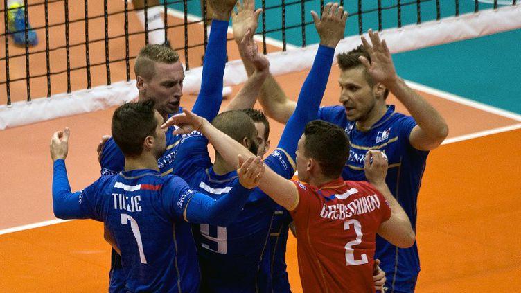 Le Roux, Rouzier, Grebennikov, Tillie et Toniutti, les cadres de l'équipe de France (VANDERLEI ALMEIDA / AFP)
