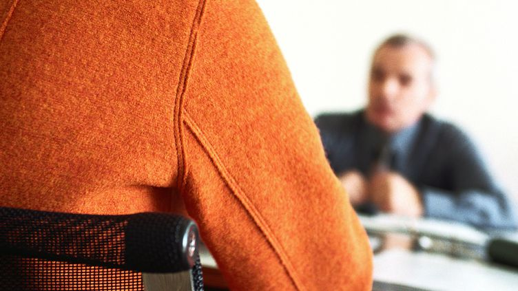 Une candidate passe un entretien d'embauche. Photo d'illustration.  (MAXPPP)