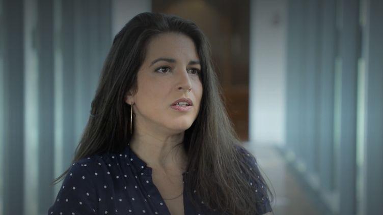 """Maternité : Judith Aquien dénonce les trois premiers mois """"sous silence"""" (FRANCEINFO)"""