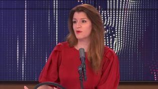 Marlène Schiappa, ministre déléguée auprès du ministre de l'Intérieur en charge de la citoyenneté, invitée de franceinfo jeudi 31 décembre 2020.  (FRANCEINFO / RADIOFRANCE)