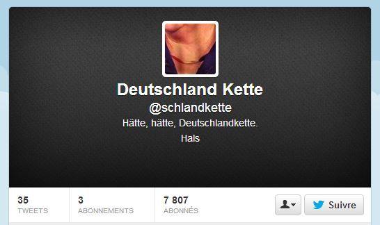 Une capture d'écran du compte Twitter du collier d'Angela Merkel. (TWITTER / FRANCETV INFO)