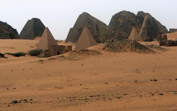 Pyramide royales sur le site de Méroé au Soudan. (REUTERS / MOHAMED NURELDIN ABDALLAH / X01806)