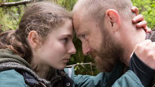 "Thomasin Harcourt McKenzie et Ben Foster dans ""Leave no trace  (Condor Distribution)"