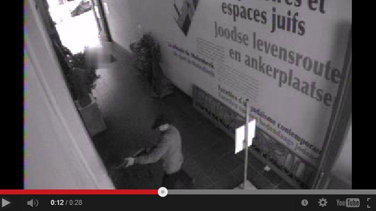 (Des vidéos du tireur ont été publiées sur le site internet de la police fédérale belge © Capture d'écran)
