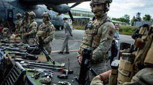 Le 5e régiment d'hélicoptères de combat de Pau (Pyrénées-Atlantiques) lors d'une visite de la ministre des Armées, Florence Parly, le 13 juin 2019. (MAXPPP)