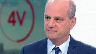 « Le port du masque peut être intéressant pour les plus jeunes » : Jean-Michel Blanquer est l'invité des 4 Vérités (FRANCE 2)