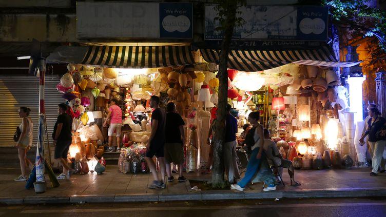 """Un commerce dans le quartier des 36 rues""""Ça grouille dans tous les sens """" (Photo Emmanuel Langlois)"""