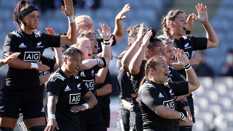 """L'équipe féminine de Nouvelle-Zélande de rugby surnommée les """"Black Ferns"""". (MICHAEL BRADLEY / AFP)"""