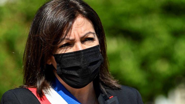 La maire de Paris, Anne Hidalgo, à Paris, le 24 avril 2021. (BERTRAND GUAY / POOL / AFP)