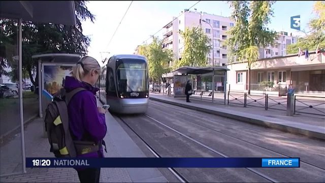 """Grenoble : l'opération """"Deux mois sans ma voiture"""" est lancée"""