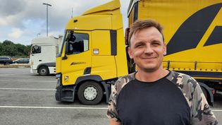 Greg, un routier polonais installé en Angleterre, le 26 septembre 2021. (RICHARD PLACE / RADIO FRANCE)