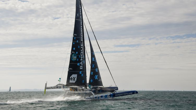 Le navigateur françaisArmel Le Cleac'h'sau départ de la 11e édition de la Route du Rhum, à Saint-Malo, dimanche 4 novembre 2018. (DAMIEN MEYER / AFP)