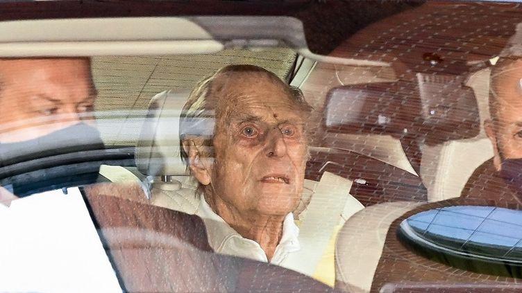 Le Prince Philip, duc d'Edimbourgh, lors de son départ de l'hôpital King Edward VII à Londres, le 16 mars 2021. (DANIEL LEAL-OLIVAS / AFP)