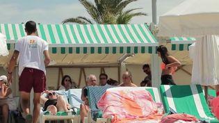 Vacances : sur la Côte d'Azur, les paillotes ne désemplissent pas (France 2)