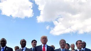 Les membres du G7 réunis à Taormina en Sicile (Italie), le 27 mai 2017. (TIZIANA FABI / AFP)