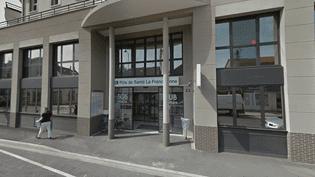L'entrée de la clinique La Francilienne, en août 2017, à Pontault-Combault (Seine-et-Marne). (GOOGLE)