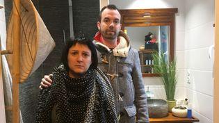 Julien et Marina Mahrougont retrouvé leur maison saccagée après l'avoir louée sur Airbnb. (FANNY BEAUREL / RADIOFRANCE)