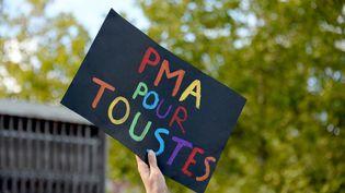 Manifestation pour le projet de loi de bioéthique à Rennes, le 10 octobre 2020. (MARC OLLIVIER / MAXPPP)