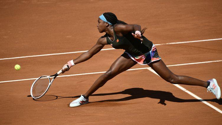 L'Américaine CoriGauff s'est qualifiée pour le deuxième tour du Masters 1000 de Rome, lundi 10 mai 2021. (FILIPPO MONTEFORTE / AFP)