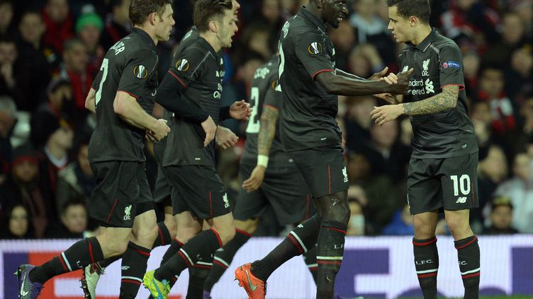 Les joueurs de Liverpool célèbrent le but de Coutinho contre Manchester United en Europa League.