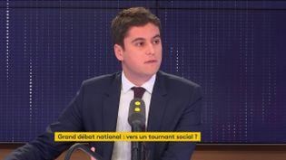 Gabriel Attal, secrétaire d'Etat auprès du ministrede l'Education nationale et de la Jeunesse. (FRANCEINFO)