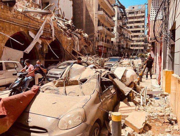 Les dégâts causés par la double explosion dans les rues de Beyrouth, au Liban, le 5 août 2020. (MIKHAIL ALAEDDIN / SPUTNIK / AFP)