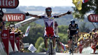 Joaquim Rodriguez remporte la 3e étape du Tour de France, le 6 juillet 2015, entre Anvers et Huy, en Belgique. (ERIC FEFERBERG / AFP)