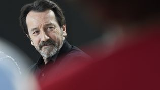 "L'acteur français Jean-Hugues Anglade, invité de l'émission de Canal + ""Le Grand Journal"", à Cannes (Alpes-Maritimes), le 19 mai 2015.  (LOIC VENANCE / AFP)"