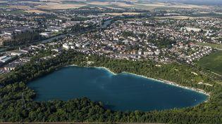 Une vue aérienne de Beaumont-sur-Oise (Val-d'Oise), prise en photo le 25 juillet 2013. (SEBASTIEN RABANY / PHOTONONSTOP / AFP)