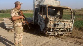 Un soldat irakien près de la ville de Rawa (Irak), le 11 novembre 2017. (MOADH AL-DULAIMI / AFP)