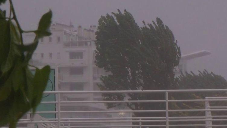 Intempéries : la Loire-Atlantique en alerte pluie-inondation (France 3)