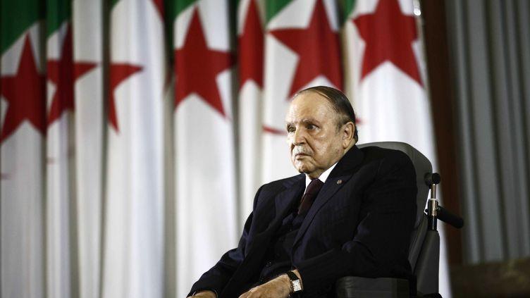 Le président algérien, Abdelaziz Bouteflika, lors dela cérémonie d'investiture de son dernier mandat, le 28 avril 2014, à Alger. (RAMZI BOUDINA / REUTERS)