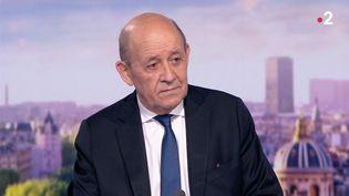 Jean-Yves Le Drian, le ministre des Affaires étrangères, sur le plateau du 20 heures de France 2, le 18 septembre 2021. (FRANCE 2)