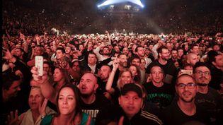 Le public de Supreme NTM à l'AccorHotels Arena à Paris (22 novembre 2019) (GEOFFROY VAN DER HASSELT / AFP)