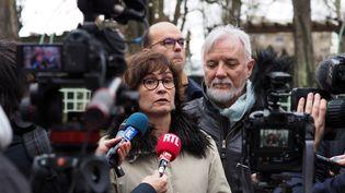 Cécile et Didier Noyer, les parents d'Arthur Noyer, en 2017. (GUILLAUME SOUVANT / AFP)