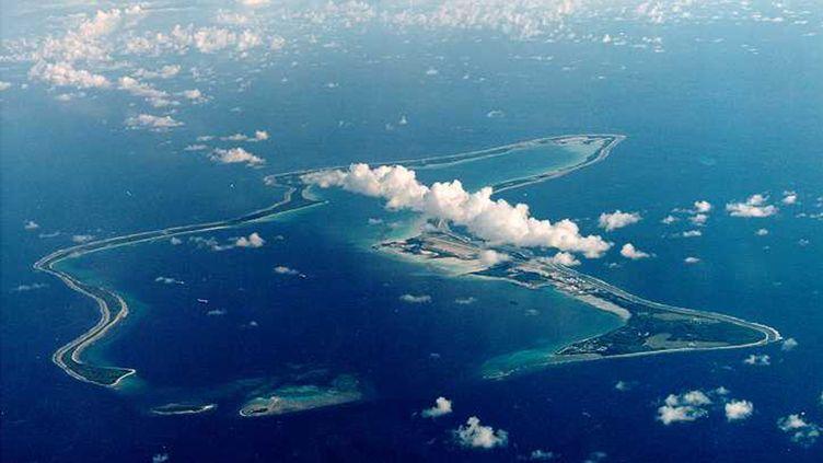 Au milieu de l'océan Indien, Diego Garcia, la plus grande des îles de l'archipel des Chagos, est devenue en 1966 une base militaireconjointe britannique et américained'importance, au détriment des habitants. (STRINGER . / X80002)