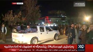 Capture écran d'une vidéo de Reuters d'un véhicule entrant dans les rues de Kirkourk (Irak), le 16 octobre 2017. (REUTERS TV)