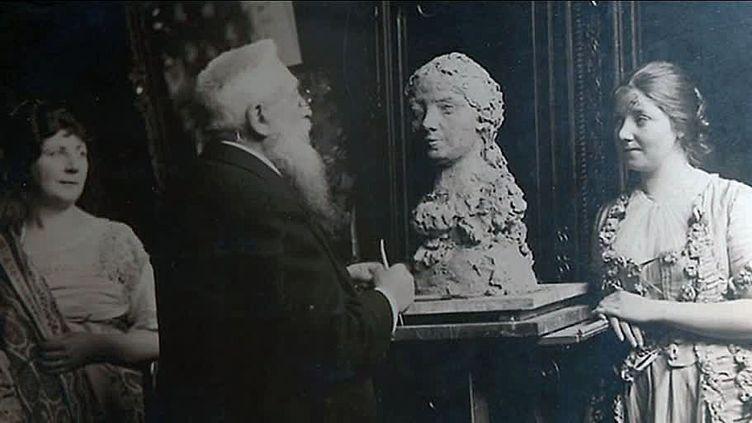 Auguste Rodin sculptant Jeanne Bardey.  (Capture d'écran France 3 Grand Lyon )