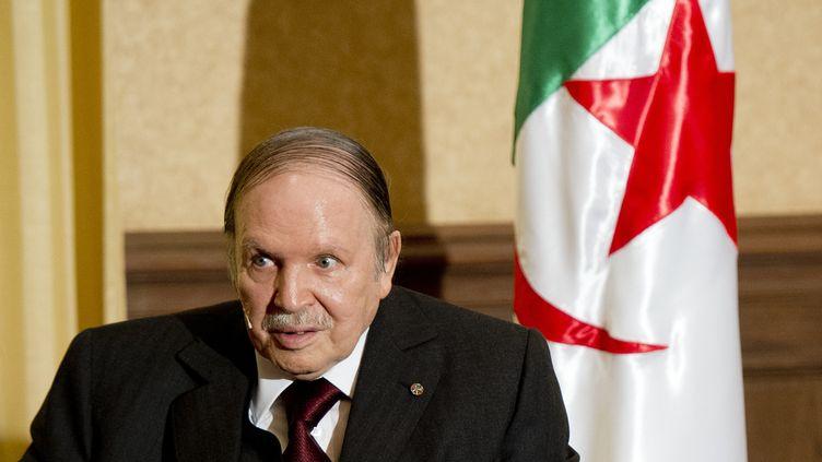Abdelaziz Bouteflika en juin 2015. (ALAIN JOCARD / POOL)