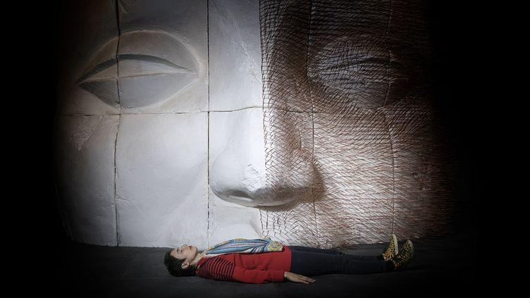 L'artiste Prune Nourry au Musée Guimet le 14 avril 2017  (JOEL SAGET / AFP)