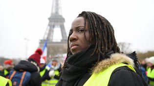 """Priscillia Ludosky, l'une des figures des """"gilets jaunes"""", lors d'une manifestation devant la tour Eiffel, à Paris, le 20 janvier 2019. (ERIC FEFERBERG / AFP)"""