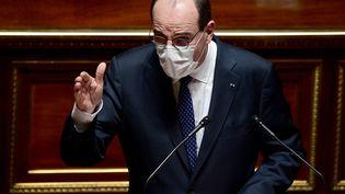 Le Premier ministre Jean Castex défend les mesures annoncées par Emmanuel Macron pour freiner la troisième vague du Covid-19, devant le Sénat le 1er avril 2021. (MARTIN BUREAU / AFP)