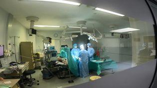 La réalité augmentée fait son entrée au bloc opératoire. (France 3 Midi-Pyrénées)