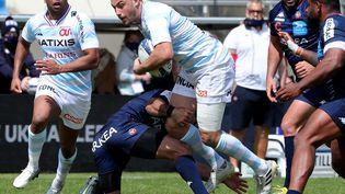 Olivier Klemenczak (Racing 92) face aux joueurs Bordelais, le 11 avril 2021. (ROMAIN PERROCHEAU / AFP)