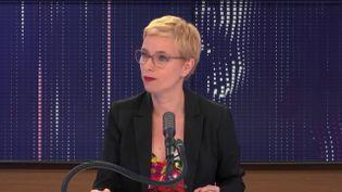 """Clémentine Autain, députée la France insoumise de Seine-Saint-Denis, était l'invité du """"8h30 franceinfo"""", mercredi 8 juillet 2020. (FRANCEINFO / RADIOFRANCE)"""