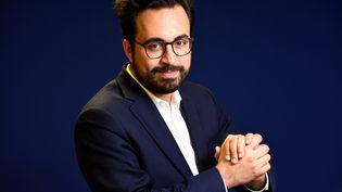 Mounir Mahjoubli, directeur de campagne numérique d'En marche !, le 13 mars 2017. (BERTRAND GUAY / AFP)