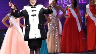 L'ex-directrice du concours Miss France,Geneviève de Fontenay, lors du concours de MissAlgérie, à Alger (Algérie), vendredi 5 septembre 2014. (FAROUK BATICHE / AFP)