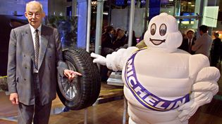 L'ancien dirigeant de Michelin, Edouard Michelin, pose, le 29 septembre 2000, à Paris. (GEORGES GOBET / AFP)